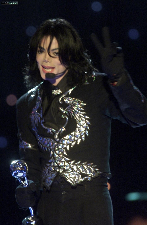 Invincible Era / 2000 / World musique Awards / Award Acceptance