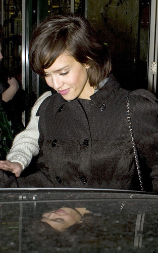 Jessica out in Londres