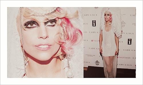 Lady Gaga piscam