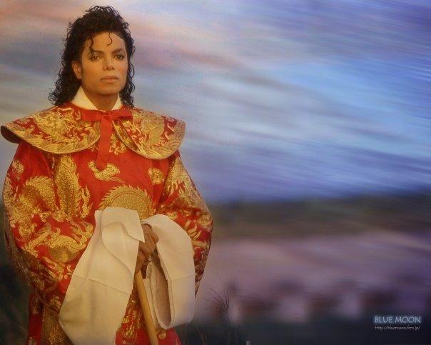 Michael Jackson is the best :D <3