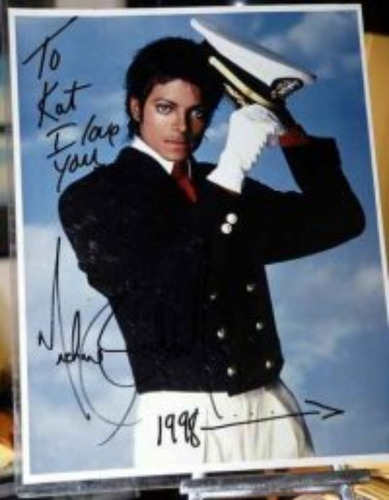 Michael Jackson's Autograph <3