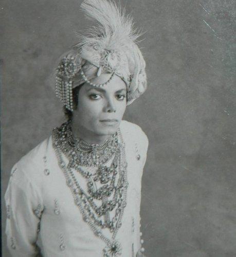 Mucho Michael