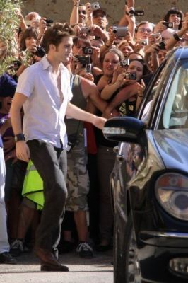 "Rob on set ""New Moon"" Italy"