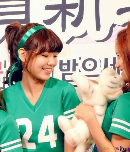 SBS Inkigayo - SNSD ^^