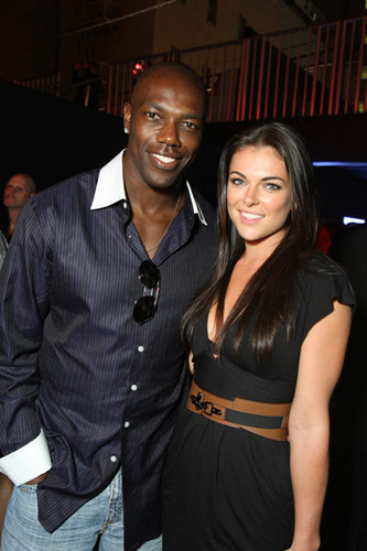 Terrell Owens Celebrates on Dallas Star and Gets HIT