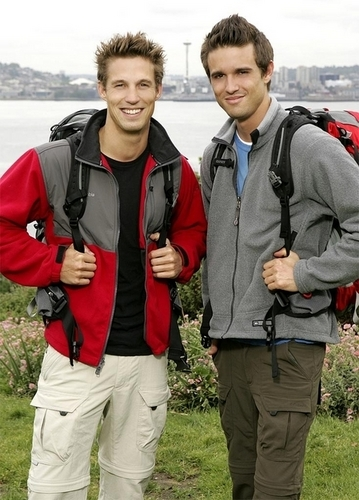 The Amazing Race achtergrond titled Tyler & James