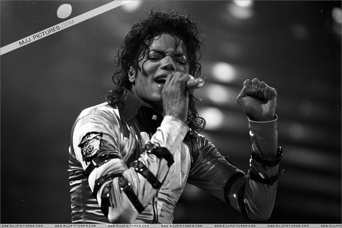UUUFFF YYEEHHH LOOOVEEEEEE THE BAD TOUR :D