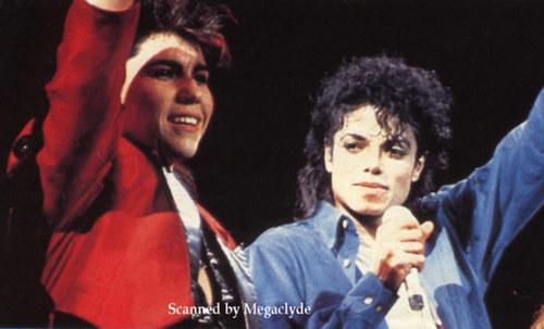 Michael Jackson concerts wallpaper called bad tour