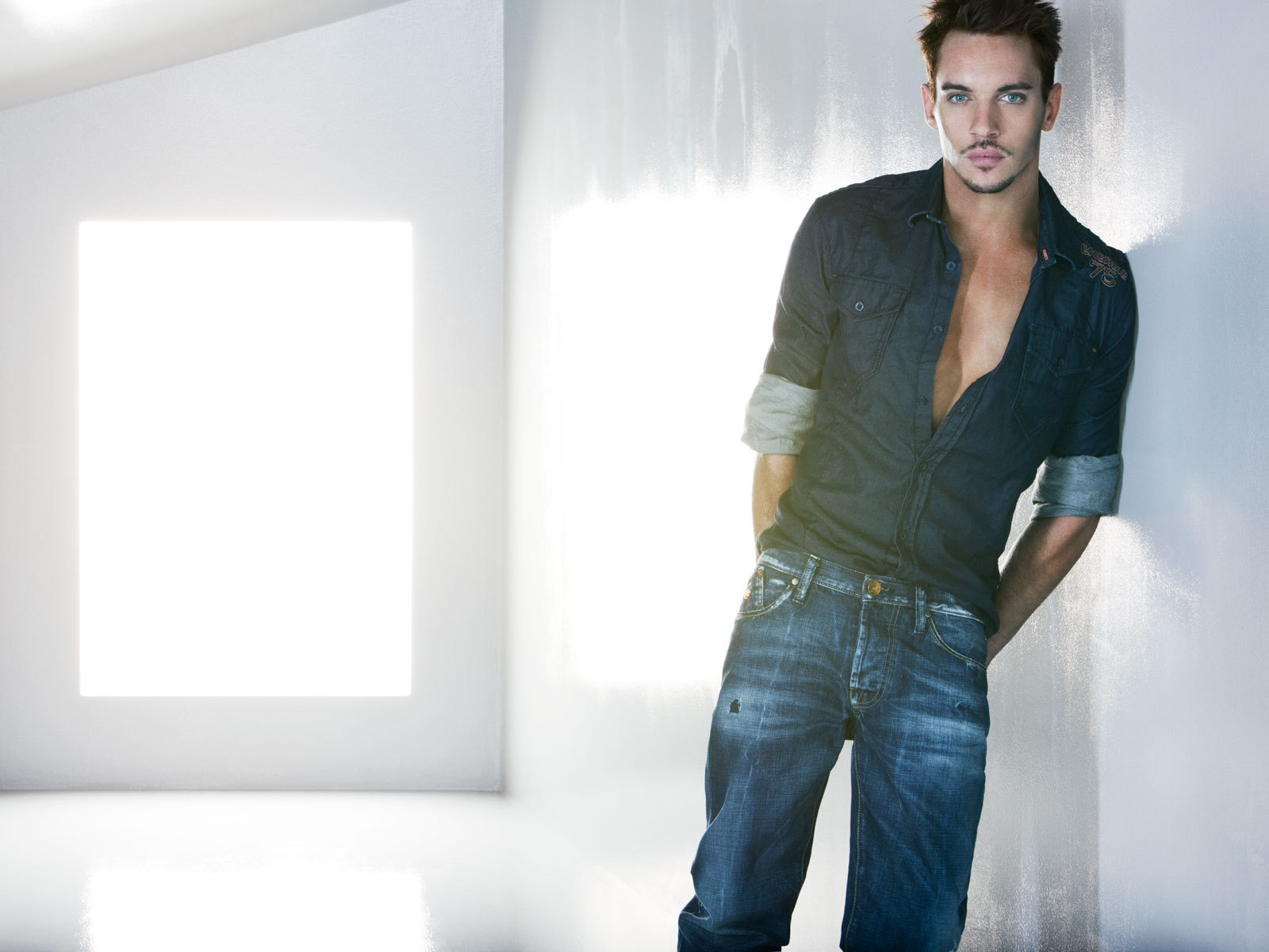 jonathan rhys meyers fansite