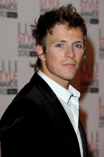 http://images2.fanpop.com/image/photos/10500000/Charlie-Bewley-At-The-Elle-Style-Awards-twilight-series-10560436-395-594.jpg