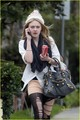Dakota Fanning Dons Shredded Tights - twilight-series photo