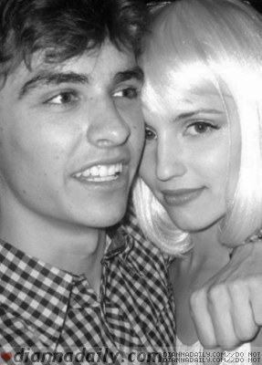 Dianna Agron wallpaper titled Dianna and Dave Franco (2009)