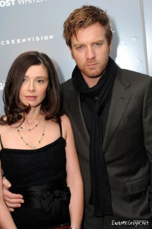 "Ewan McGregor achtergrond entitled Ewan at the Screening of ""The Ghost Writer"" (New York, United States) - February 18,"