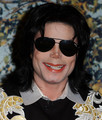 HE IS SOOOOOOOOOOOOOO BBEEAUTIFULLL!!!! - michael-jackson photo