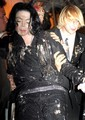HHAHAHA A MEGA FOOD FIGHT :P  - michael-jackson photo