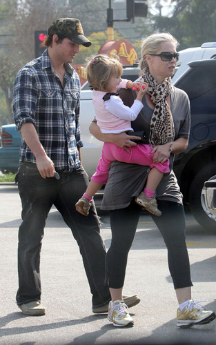 Jennie Garth and Peter Facinelli: Lunching with Lola