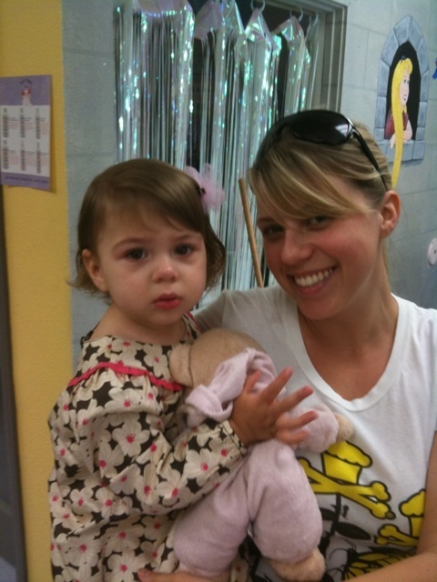 http://images2.fanpop.com/image/photos/10500000/Jodie-and-her-daughter-Zoie-jodie-sweetin-10538948-480-640.jpg