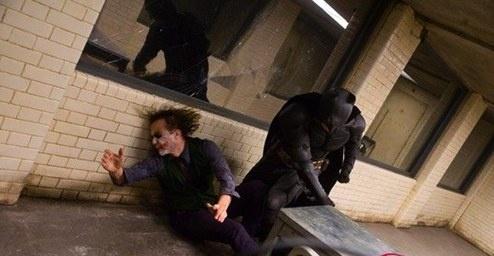 http://images2.fanpop.com/image/photos/10500000/Joker-Batman-the-dark-knight-10550510-494-256.jpg