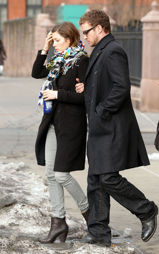 Justin Timberlake and Jessica Biel out for lunch (February 19)