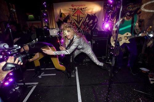 Ke$ha's Super Secret প্রদর্শনী ছবি