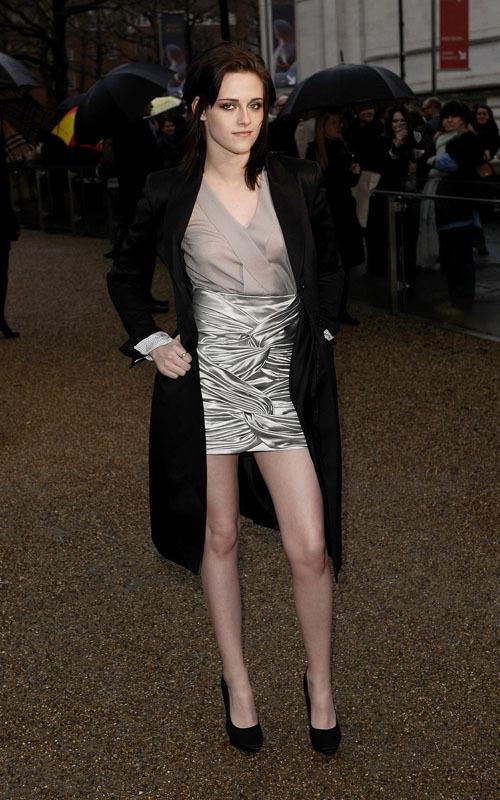 Kristen at the барберри, burberry Prorsum Показать - Лондон Fashion Week (February 23).