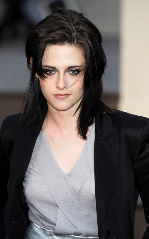 Kristen at the impermeável, burberry Prorsum Show - Londres Fashion Week (February 23).
