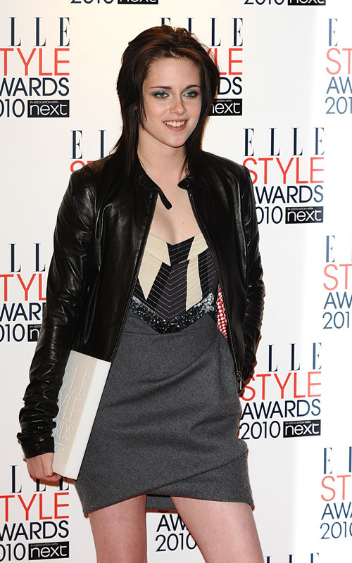 "Kristen Stewart wins ""Woman of the Year"" award at ELLE Style Awards 2010"