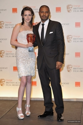 WINNER: The orange Rising star, sterne Award - Kristen Stewart -