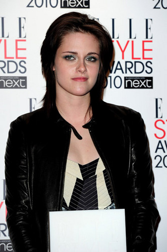 Kristen named Elle UK's Woman of the বছর