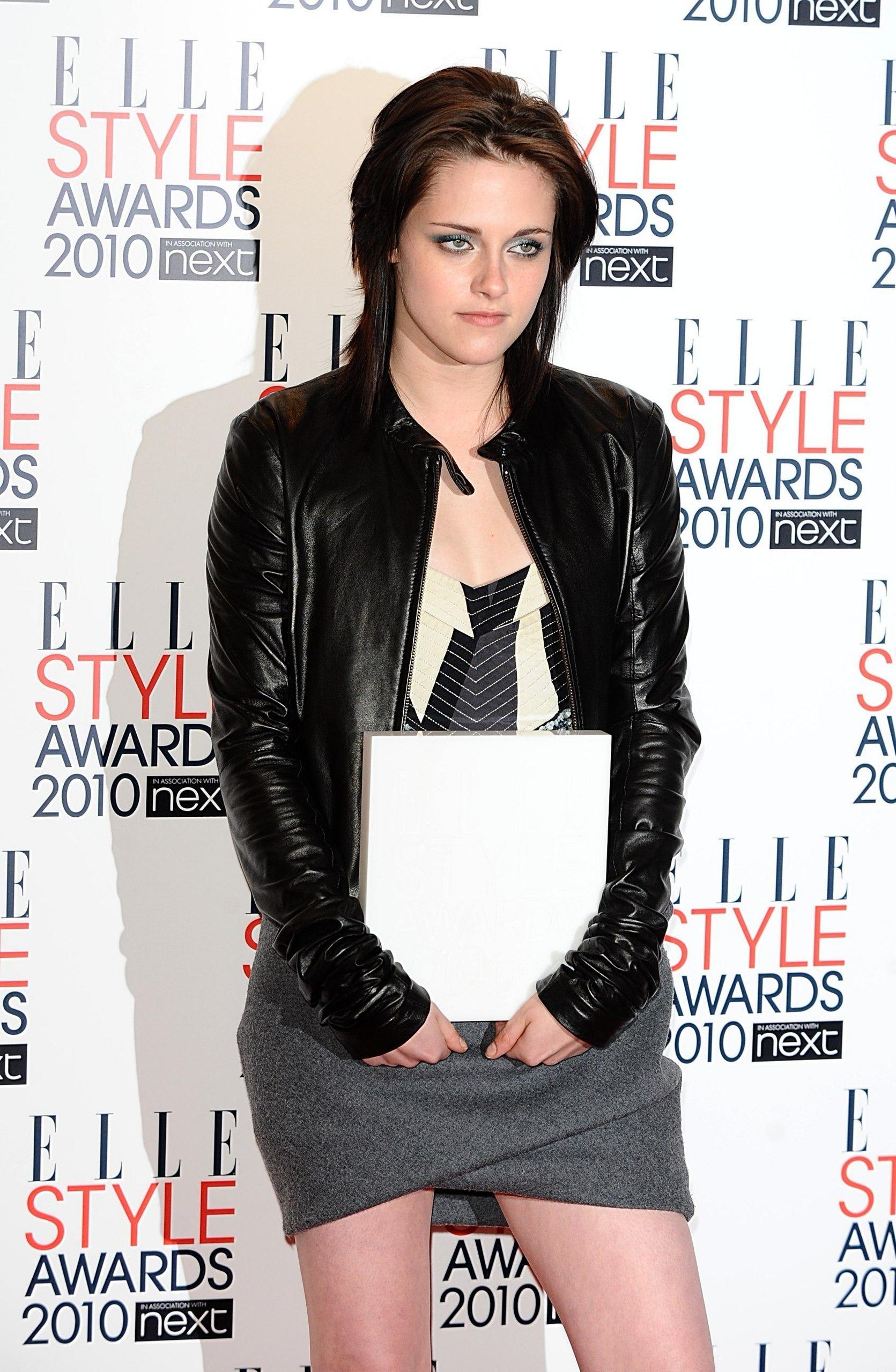 Kristen named Elle UK's Woman of the سال