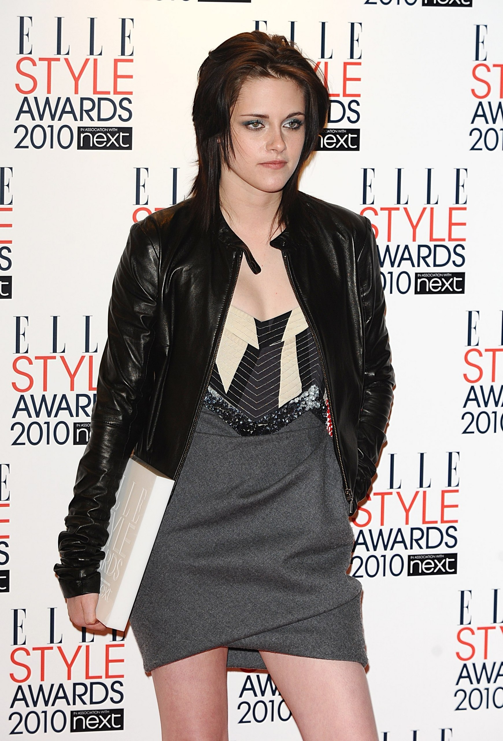 Kristen named Elle UK's Woman of the বছর