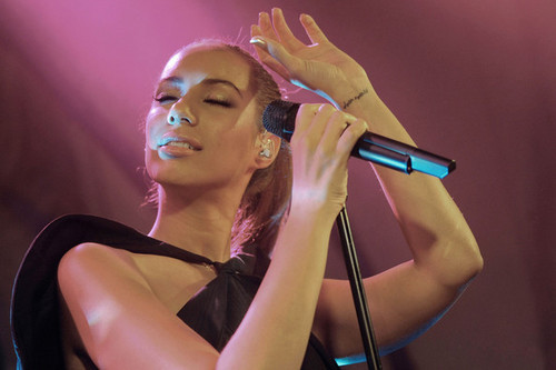 Leona Performing In Madrid - leona-lewis Photo