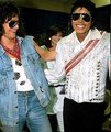 Mike and Eddie - michael-jackson photo