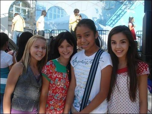 Samantha Boscarino and friends