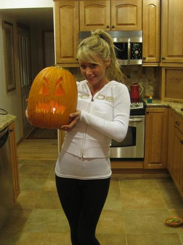 Sara - Хэллоуин 2008