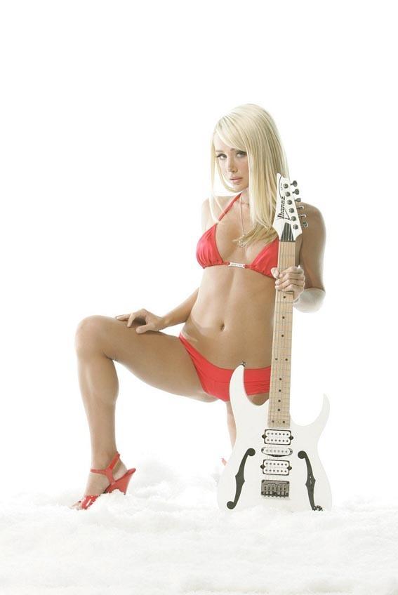 Sara in Guitar magazine