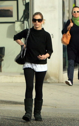 Sarah out in Los Angeles