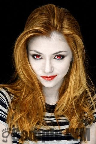 Taylor Momsen as a Vampire