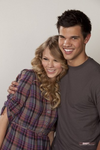 Taylor and Taylor: new promo pics for Valentine's Day