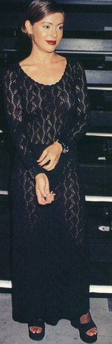 Alyssa Milano kertas dinding called back in black