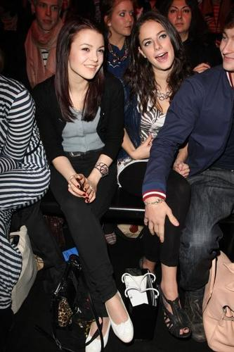 kat & kaya at fashion week!