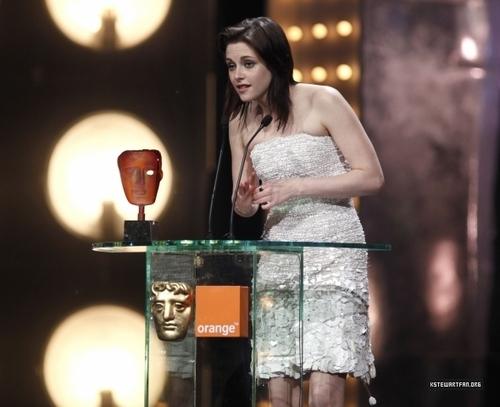 kristen-BAFTA awards
