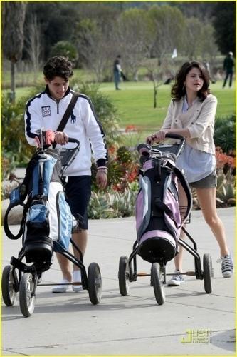 nelena golfing