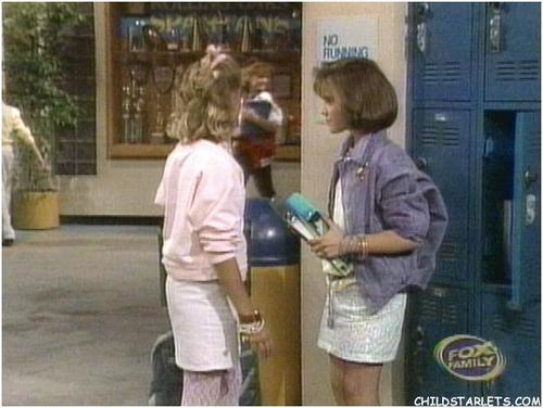 whos the boss ( w/nicole eggert in pic) - alyssa-milano Screencap