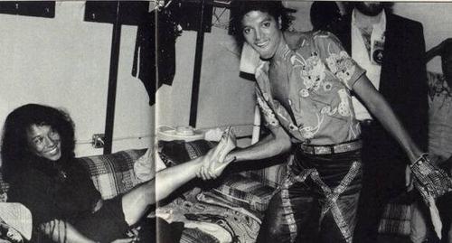 woowww!! sexy Michael!!!