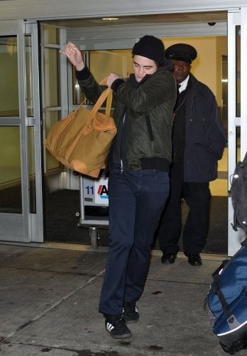 5 Brand New ছবি Of Robsten Arriving in NYC