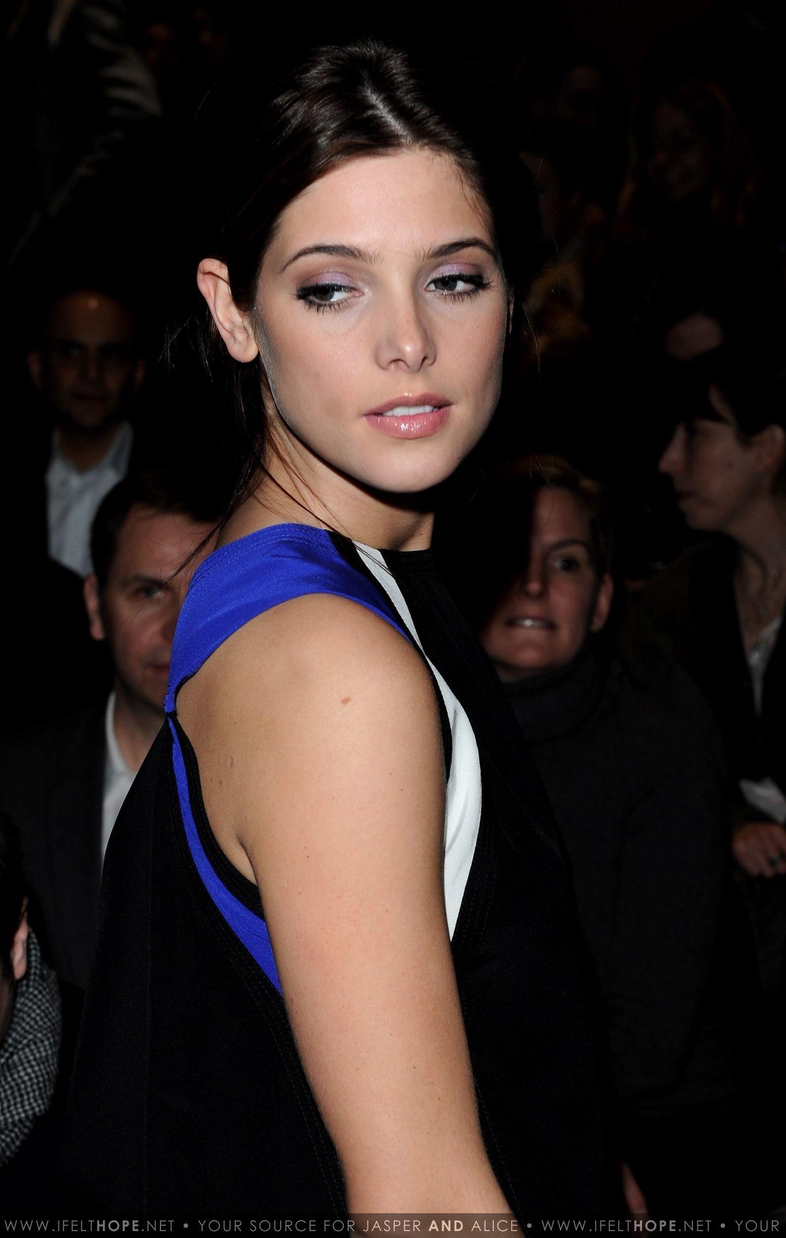 Ashley @ Gucci - Front Row: Milan Fashion Week Womenswear A/W - February 27