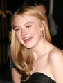 Dakota Fanning - twilight-series photo