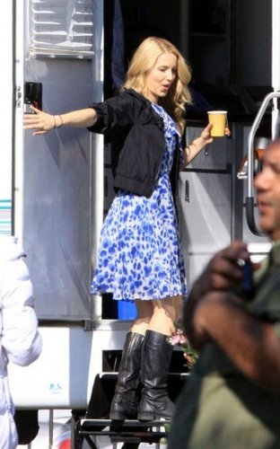 Dianna on the glee Set