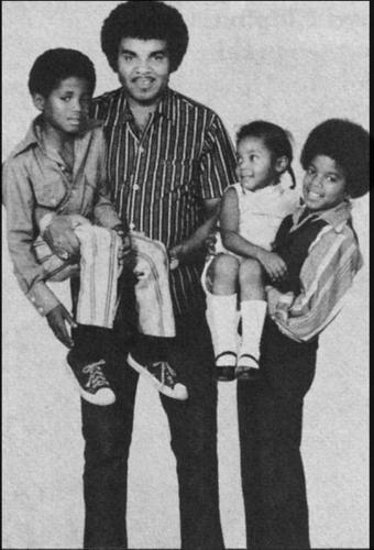 Family bức ảnh